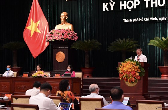 Chủ tịch UBND TPHCM Nguyễn Thành Phong đăng đàn trả lời chất vấn ảnh 1