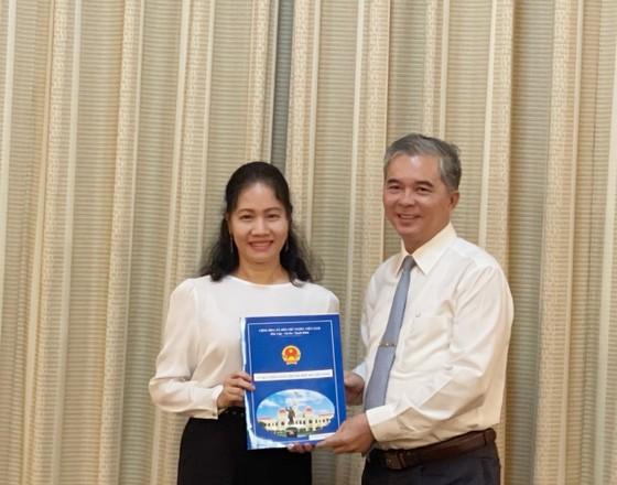 Bà Phan Thị Bình Thuận đến nhận công tác tại Thành ủy TPHCM  ảnh 1