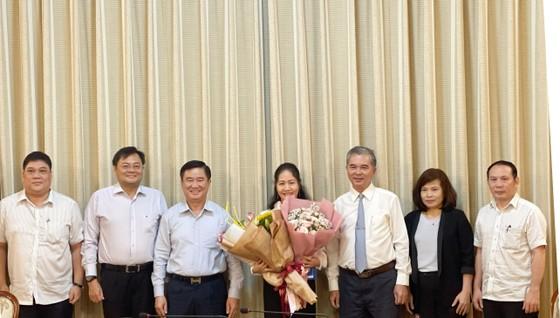 Bà Phan Thị Bình Thuận đến nhận công tác tại Thành ủy TPHCM  ảnh 2