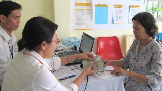 TPHCM chi trả lương hưu gộp 2 tháng trong dịp Tết Nguyên đán 2021 ảnh 1