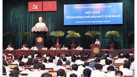 Chủ tịch UBND TPHCM Nguyễn Thành Phong: Hoạt động sản xuất - kinh doanh ở TPHCM vẫn có hiệu quả ảnh 1