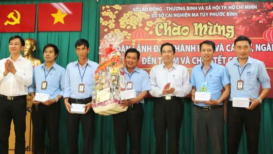 Đoàn lãnh đạo TPHCM chúc tết Cơ sở cai nghiện ma túy Phước Bình ảnh 3