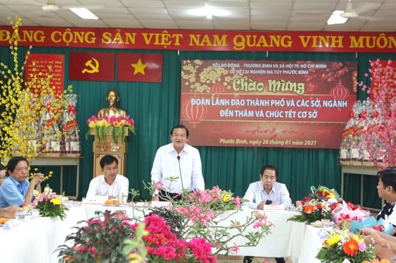 Đoàn lãnh đạo TPHCM chúc tết Cơ sở cai nghiện ma túy Phước Bình ảnh 1
