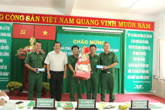 Đoàn lãnh đạo TPHCM thăm, chúc tết các cơ sở xã hội ảnh 2