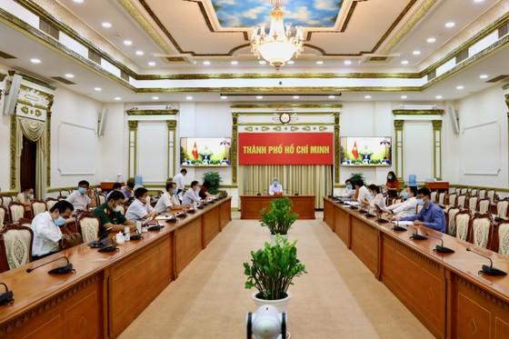 Điểm cầu TPHCM trong phiên họp trực tuyến thường kỳ tháng 1-2021 của Chính phủ. Ảnh: Trung tâm Báo chí TPHCM