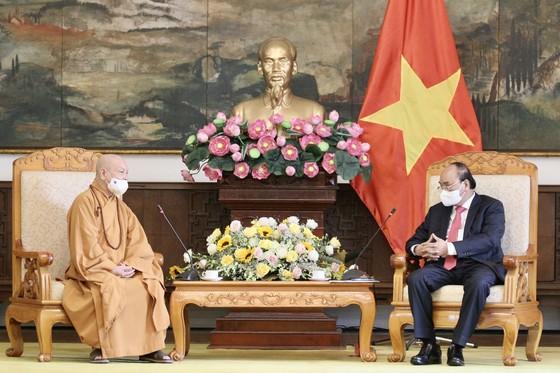 Chủ tịch nước Nguyễn Xuân Phúc tiếp Đoàn đại biểu Giáo hội Phật giáo Việt Nam ảnh 2