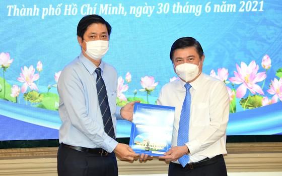 Đồng chí Lê Đức Thanh làm Chủ tịch UBND quận 1, Nguyễn Thị Thu Hường làm Chủ tịch UBND quận 10 ảnh 5