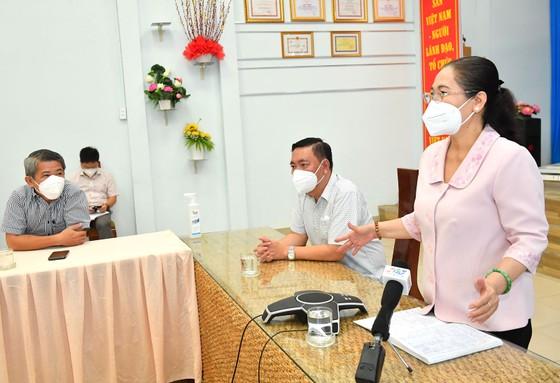 Chủ tịch HĐND TPHCM Nguyễn Thị Lệ kiểm tra công tác phòng chống dịch Covid-19 tại quận 3, quận 10 ảnh 3