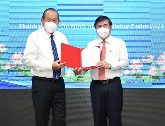 Đồng chí Nguyễn Thành Phong được Thủ tướng phê chuẩn chức vụ Chủ tịch UBND TPHCM, nhiệm kỳ 2021-2026 ảnh 1