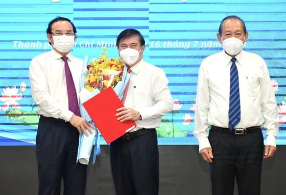 Đồng chí Nguyễn Thành Phong được Thủ tướng phê chuẩn chức vụ Chủ tịch UBND TPHCM, nhiệm kỳ 2021-2026 ảnh 2