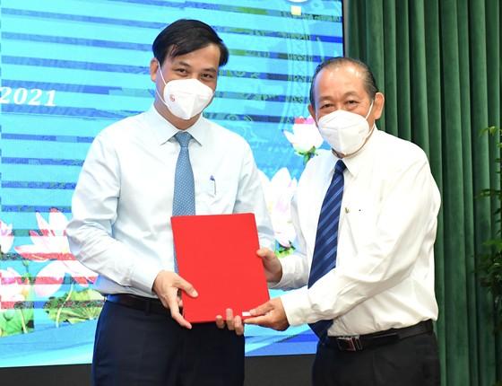 Đồng chí Nguyễn Thành Phong được Thủ tướng phê chuẩn chức vụ Chủ tịch UBND TPHCM, nhiệm kỳ 2021-2026 ảnh 3