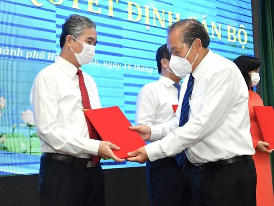 Đồng chí Nguyễn Thành Phong được Thủ tướng phê chuẩn chức vụ Chủ tịch UBND TPHCM, nhiệm kỳ 2021-2026 ảnh 5