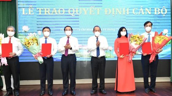 Đồng chí Nguyễn Thành Phong được Thủ tướng phê chuẩn chức vụ Chủ tịch UBND TPHCM, nhiệm kỳ 2021-2026 ảnh 7