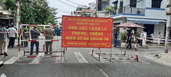Phó Bí thư Thường trực Thành ủy TPHCM Phan Văn Mãi: Quyết liệt giãn cách, nhưng cũng chuẩn bị tâm thế cho tình huống xấu hơn ảnh 2