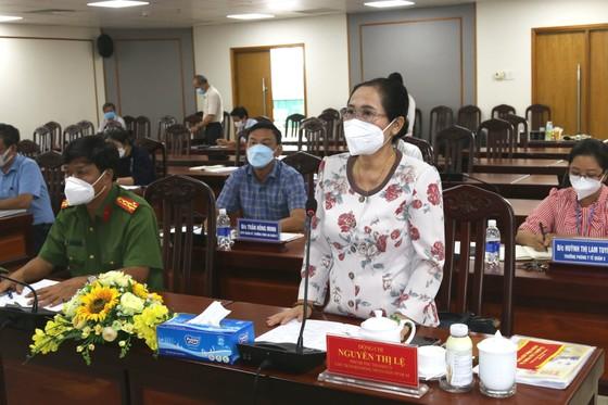 Chủ tịch HĐND TPHCM Nguyễn Thị Lệ kiểm tra phòng chống dịch Covid-19 tại quận 3 ảnh 1