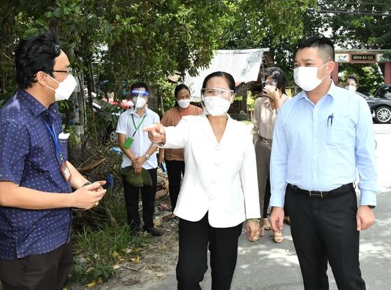 Chủ tịch HĐND TPHCM Nguyễn Thị Lệ kiểm tra phòng, chống dịch tại huyện Củ Chi ảnh 2