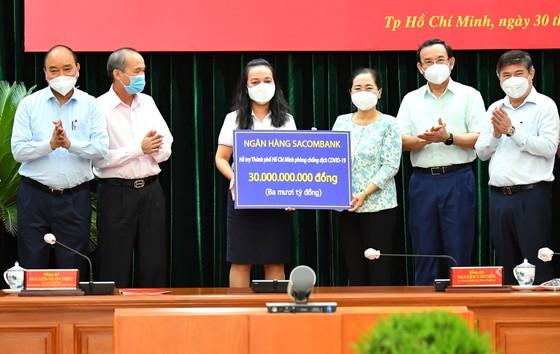 Chủ tịch nước Nguyễn Xuân Phúc: Chiến lược song trùng vừa dập dịch, vừa điều trị  ảnh 7
