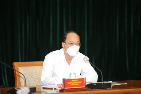 Phó Bí thư Thành ủy TPHCM Nguyễn Hồ Hải: TPHCM chăm lo cho người dân, không phân biệt hộ khẩu ảnh 1