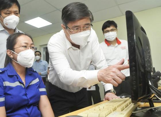 Chủ tịch UBND TPHCM Nguyễn Thành Phong gửi thư biểu dương biệt đội taxi cấp cứu F0, Trung tâm cấp cứu 115 ảnh 1
