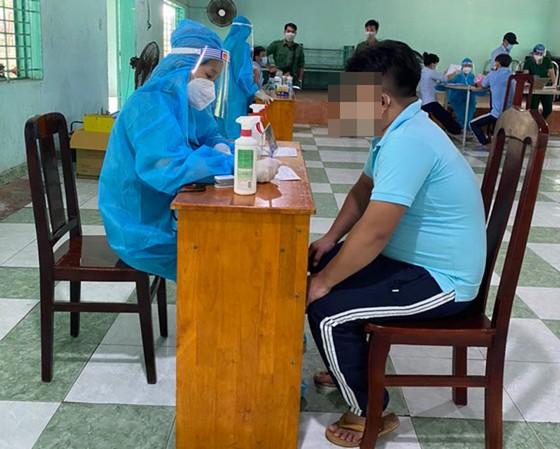 Cơ sở xã hội Nhị Xuân tiêm vaccine cho học viên cai nghiện ma túy ảnh 3