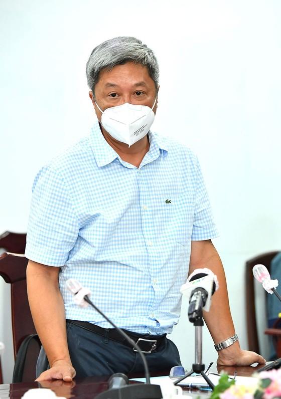 Đồng chí Nguyễn Văn Nên: Huyện Củ Chi và quận 7 là hai mũi đột phá để thí điểm kịch bản 'bình thường mới' cho TPHCM  ảnh 3