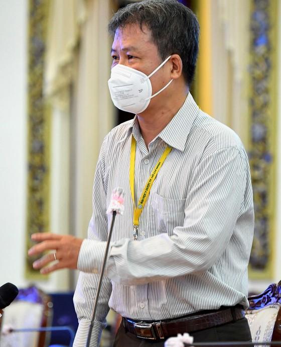 Lãnh đạo TPHCM gặp gỡ chuyên gia, nghe góp ý về phòng chống dịch và phục hồi kinh tế ảnh 2