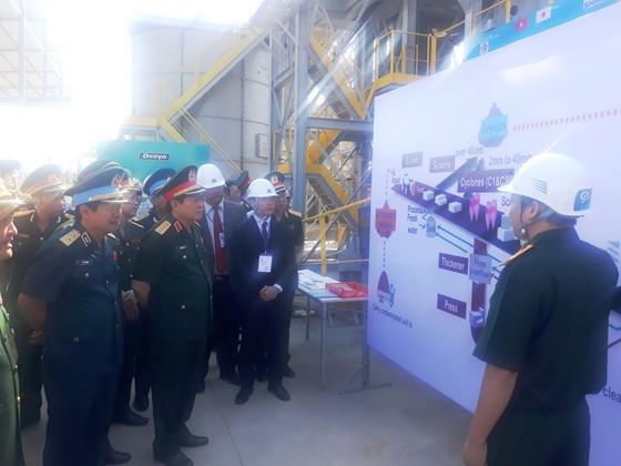 Đại tướng Ngô Xuân Lịch làm việc với ban quản lý Dự án xử lý dioxin tại sân bay Biên Hòa ảnh 2