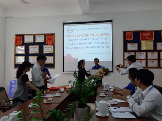 Cứu người bị tai nạn giao thông, một sinh viên ở Đồng Nai nhận bằng khen của tỉnh ảnh 1