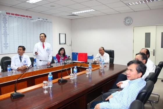 Thủ tướng Nguyễn Xuân Phúc thăm Bệnh viện Đồng Nai ảnh 1