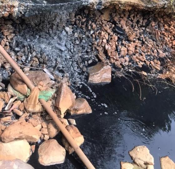 Ô nhiễm nguồn nước thượng nguồn ảnh 1