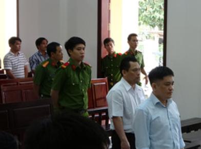 15 năm tù cho nguyên giám đốc Quỹ tín dụng nhân dân Quảng Tiến ảnh 1