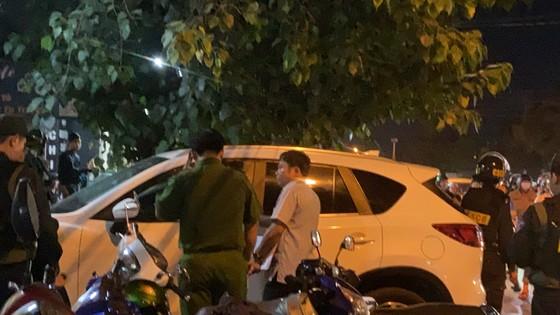 Giám đốc bệnh viện bị giang hồ khống chế đòi nợ, cả trăm cảnh sát đến hiện trường ảnh 3