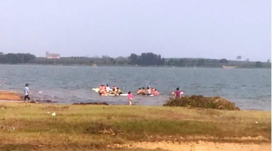 Hai học sinh chết đuối thương tâm ở hồ Trị An ảnh 1