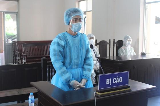 Lãnh án tù vì mạo danh để tiếp cận người Trung Quốc đang cách ly  ảnh 1