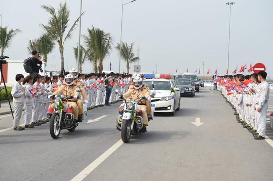 Đoàn cấp cao Triều Tiên tham quan nhà máy sản xuất ô tô của Vingroup  ảnh 1