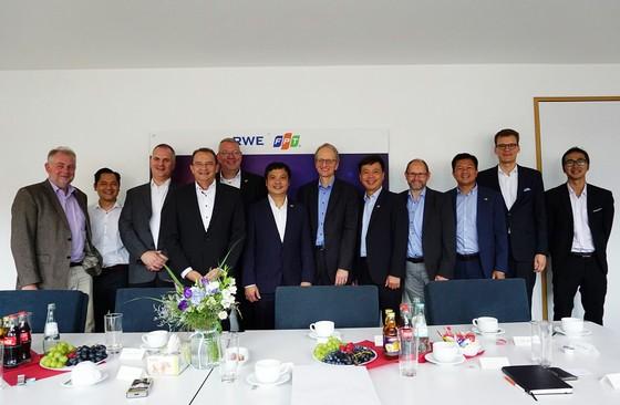 FPT cung cấp giải pháp công nghệ mới cho RWE, tập đoàn năng lượng hàng đầu tại Đức ảnh 1