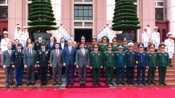 Hợp tác quốc phòng Việt Nam - Hoa Kỳ đang phát triển tích cực, đạt hiệu quả thiết thực ảnh 6