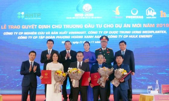 Chủ tịch Quốc hội: Khu CNC Hòa Lạc phải trở thành trung tâm phát triển công nghệ của đất nước ảnh 5