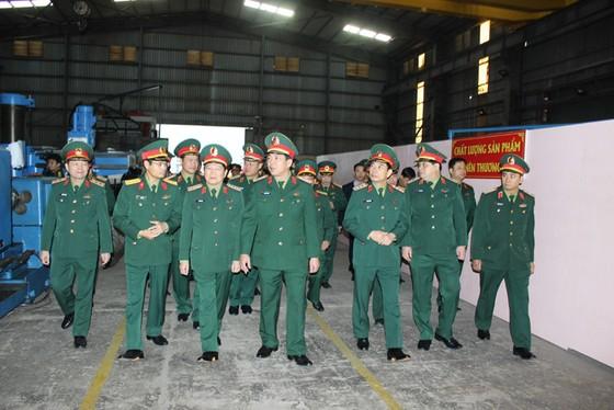 Bộ Quốc phòng hạ thủy tàu cứu hộ tàu ngầm đầu tiên đóng mới tại Việt Nam ảnh 3