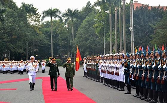 Tổng Tư lệnh các Lực lượng vũ trang Myanmar thăm chính thức Việt Nam ảnh 1