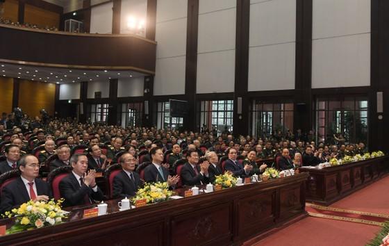 Thủ tướng Nguyễn Xuân Phúc: Tuyệt đối không để Tổ quốc bị động, bất ngờ ảnh 1
