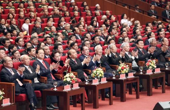 Mít tinh trọng thể kỷ niệm 90 năm Ngày thành lập Đảng Cộng sản Việt Nam ảnh 1