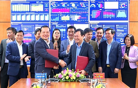 Tập đoàn VNPT cùng Phú Thọ thúc đẩy xây dựng Chính quyền điện tử ảnh 2