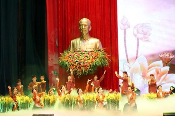 Tổ chức trọng thể Lễ kỷ niệm 130 năm Ngày sinh Chủ tịch Hồ Chí Minh ảnh 4