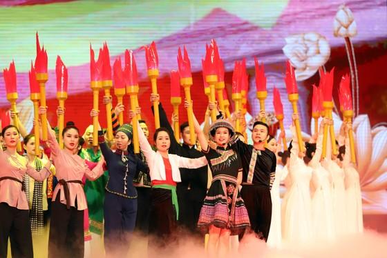 Tổ chức trọng thể Lễ kỷ niệm 130 năm Ngày sinh Chủ tịch Hồ Chí Minh ảnh 6