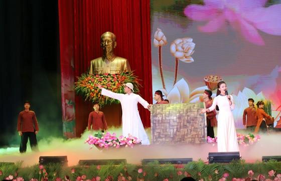 Tổ chức trọng thể Lễ kỷ niệm 130 năm Ngày sinh Chủ tịch Hồ Chí Minh ảnh 5