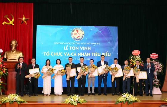 Tôn vinh những nhà khoa học Việt Nam ảnh 5