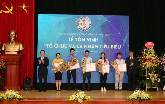 Tôn vinh những nhà khoa học Việt Nam ảnh 4