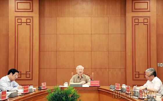Tiếp tục đẩy mạnh phòng chống tham nhũng, không để lọt vào Trung ương, Bộ Chính trị những phần tử không đủ tiêu chuẩn ảnh 2