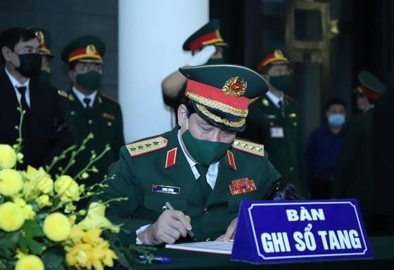 Cử hành trọng thể Quốc tang nguyên Tổng Bí thư Lê Khả Phiêu ảnh 24